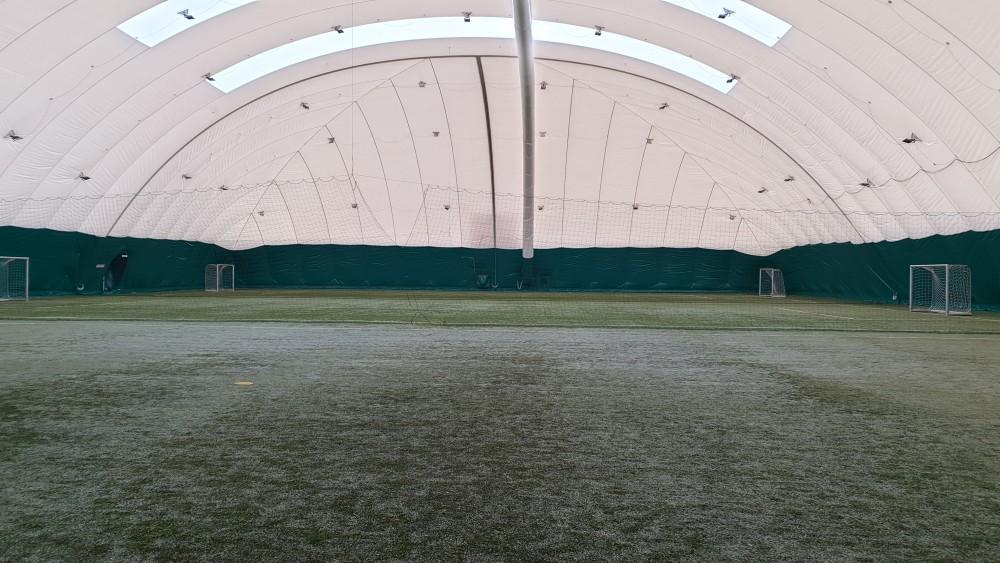 Голям футболен терен